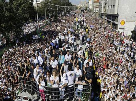 """2 Juta Umat Protestan Brasil Mengepung Sao Paulo Dalam Acara """"March For Jesus"""""""