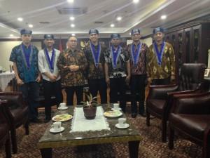 Ketua MPR RI Zulkifli Hasan berfoto bersama PP GMKI
